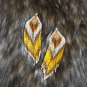 HANDMADE Seedbead earrings